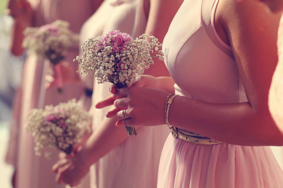 Sukienka dla druhny - jak wybrać najlepszą suknię dla świadkowej?