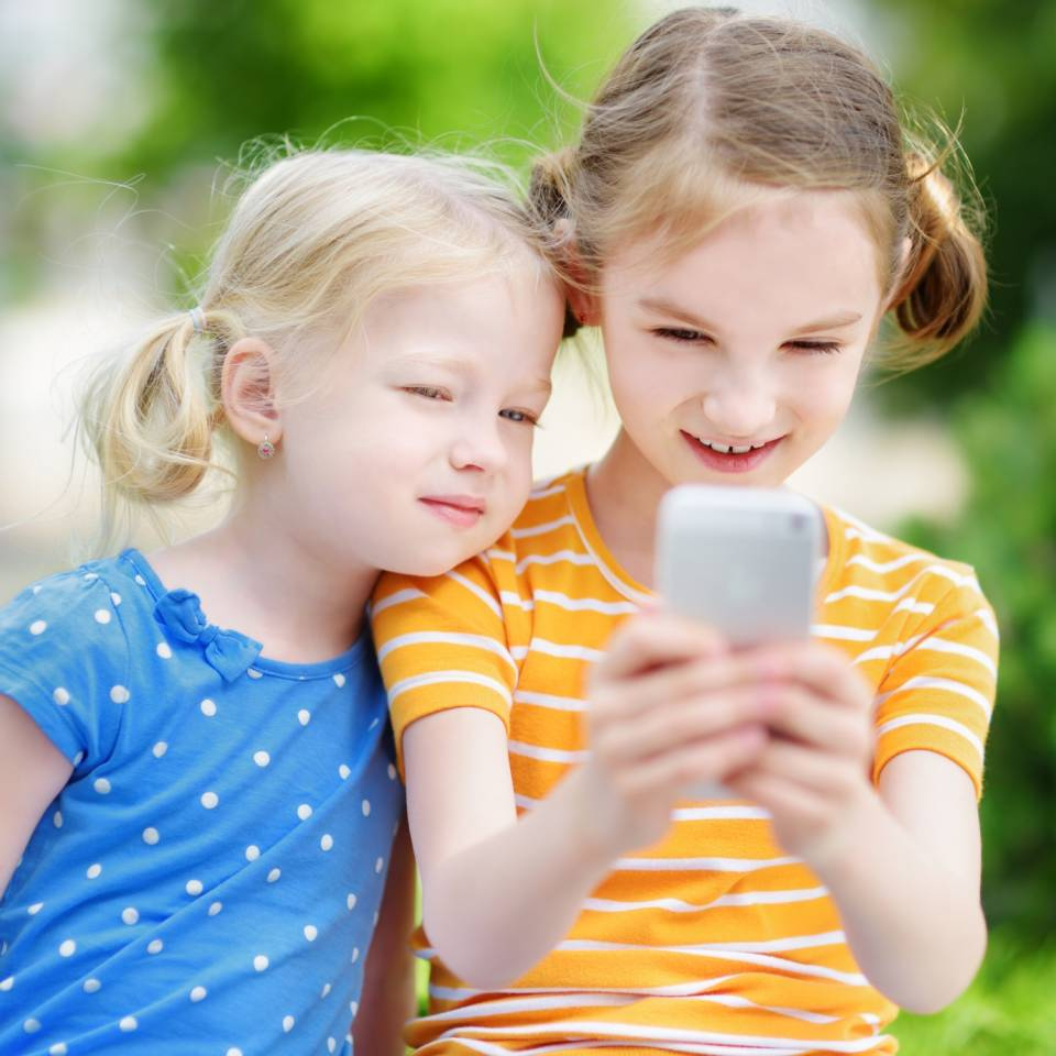 Telefon z GPS dla dziecka - jak wybrać?