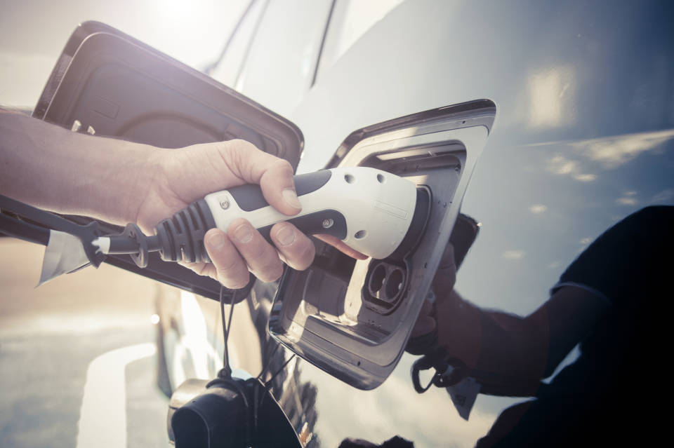 Benzyna czy diesel - wady i zalety kupna auta używanego na ropę lub benzynę