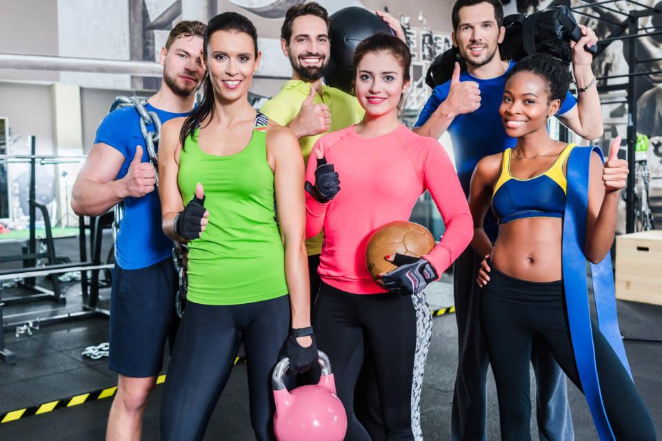 Strój na fitness - jak się ubrać na jogę, a jak siłownię?