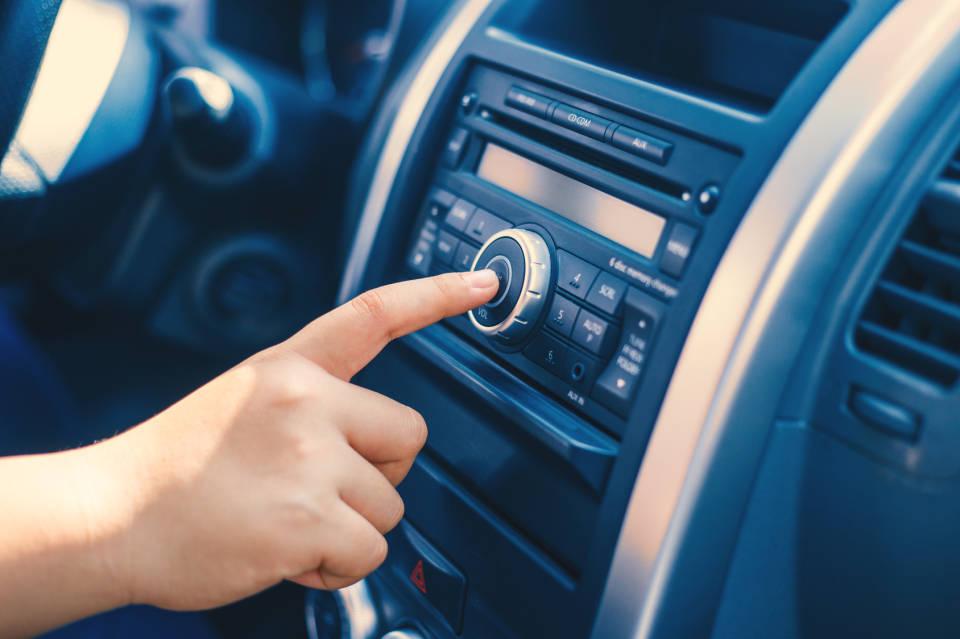 Jakie radio samochodowe kupić?