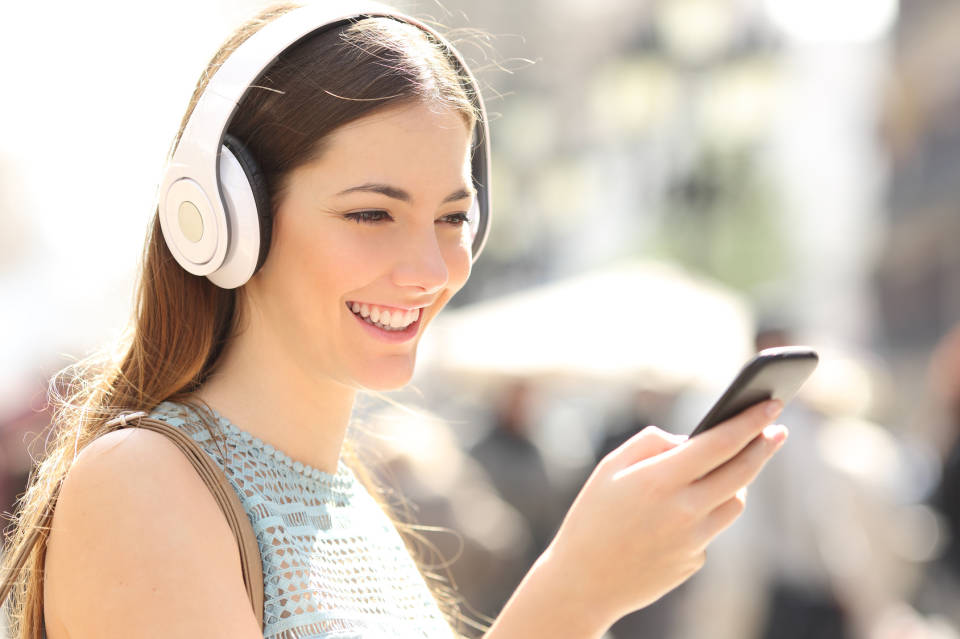 Jakie słuchawki bezprzewodowe? Czym kierować się przed zakupem?