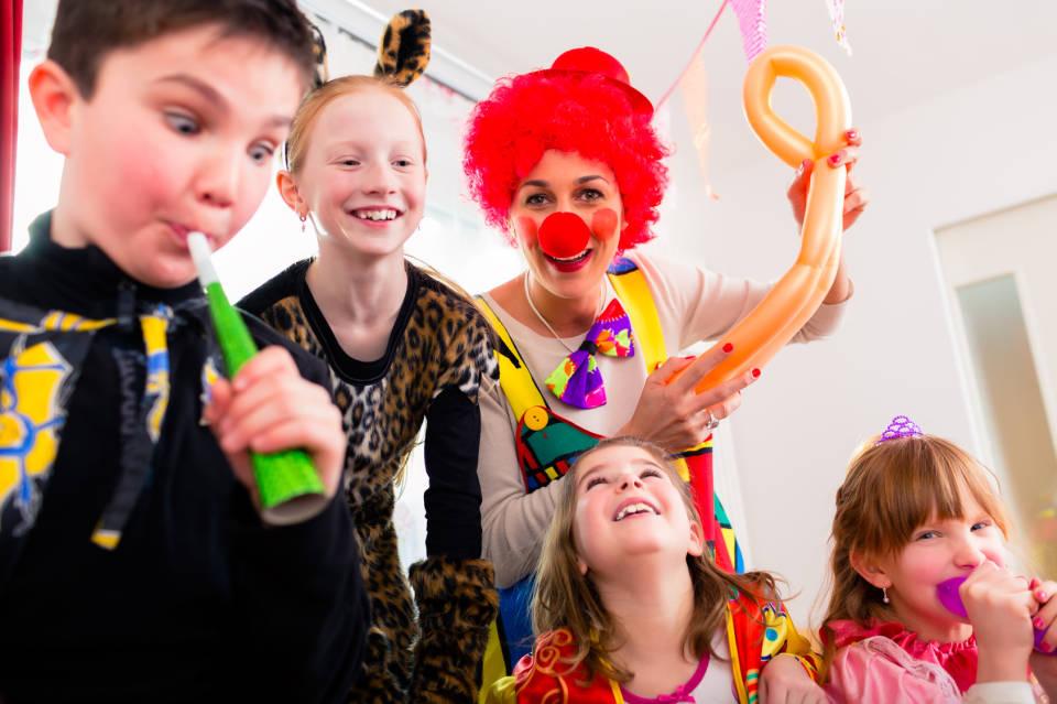 Jak zorganizować kinder party? Sprawdzone pomysły na urodziny dziecka