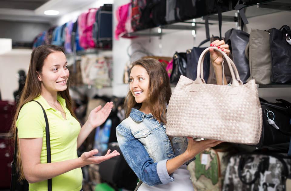 Torba dla mamy - czym kierować się przy wyborze idealnej torebki?
