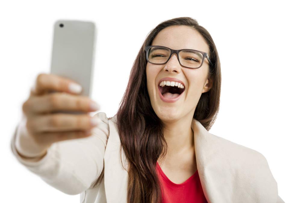 Jak kupić  tani smartfon? TOP 5 smartfonów do 300 zł