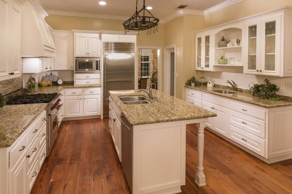 Co na ścianę w kuchni? Ciekawe pomysły na wystrój kuchni