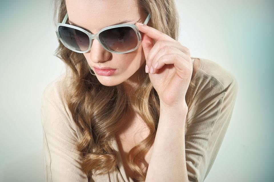 Jakie okulary przeciwsłoneczne do jakiej twarzy - jak dobrać okulary?