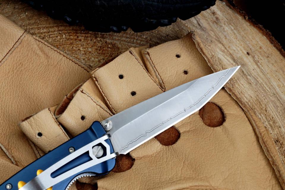 Noże i inne akcesoria, czyli co warto mieć w górskim plecaku?